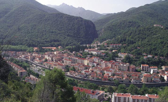 Vue panoramique d'Amélie-les-Bains Palalda, dans le vallespir - 66